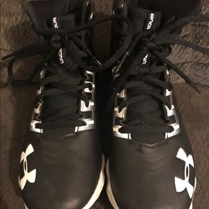 13C football cleats - like new!